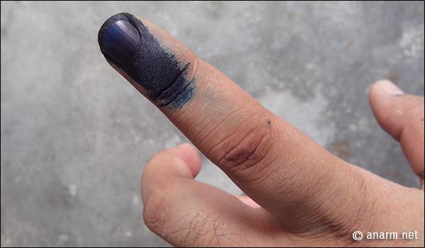 dakwat kekal pru13 di jari kiri