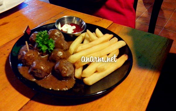 meatball dan french fries bucida court