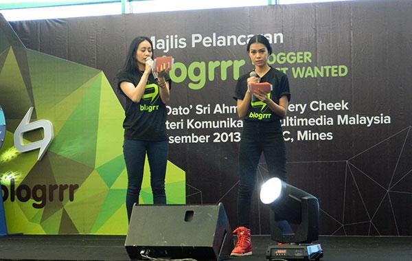 MC untuk event blogrrr, Marsha dan Sharifah Sakinah