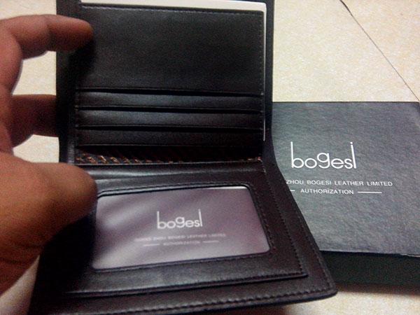 Wallet yang dijual di Nile.com.my, online shop di Malaysia