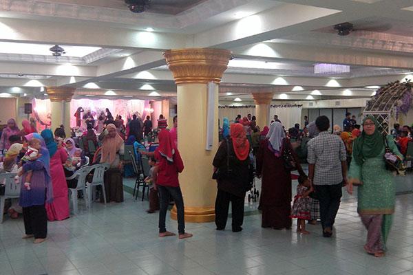 Suasana dalam Dewan Masjid Bukit Aman KL