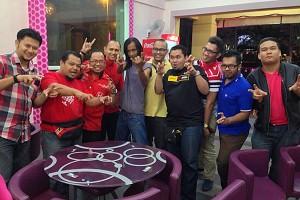 Sofi Jikan bersama blogger di Restoran Char Koay Teow Simply Delicious Penang Mai