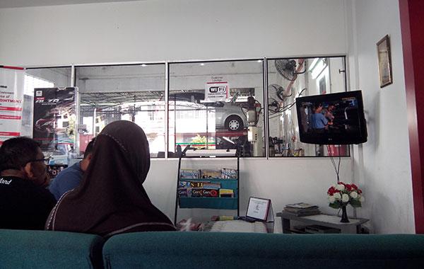 ruang menunggu di pusat servis perodua bangi