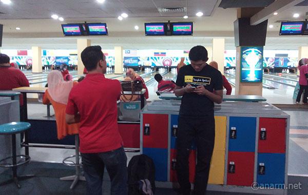 Blogger lawan main bowling