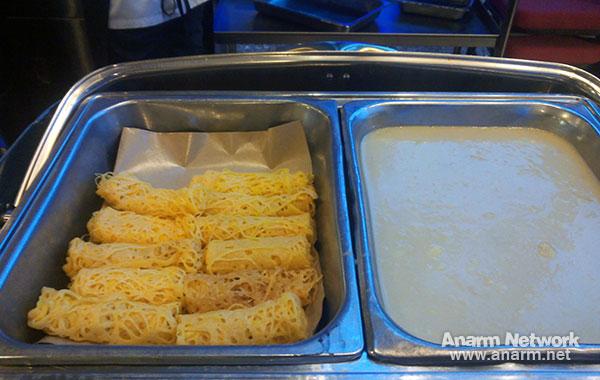 """Roti Jala dengan Kuah Durian, hidangan buffet Ramadhan """"Santapan 29 Malam"""""""