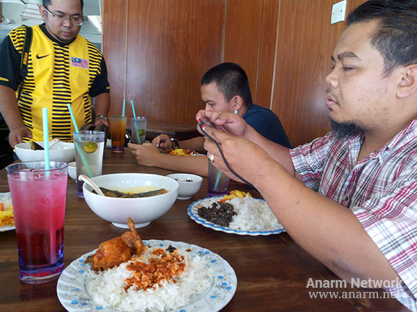 Blogger food review di The Rodongs, Restoran Masakan Pahang