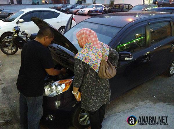 Tukar bateri kereta Perodua Alza